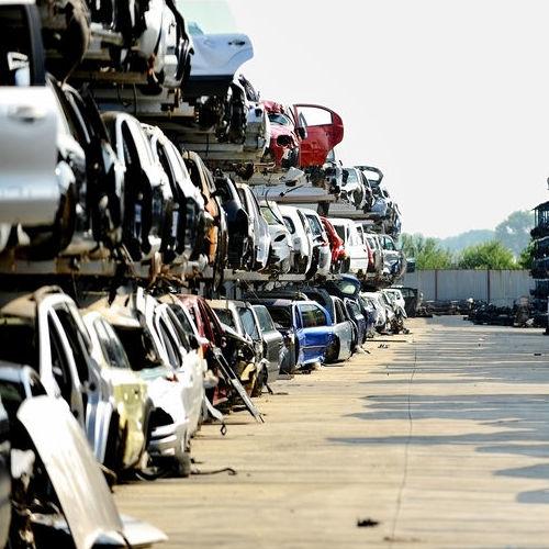 junk car removal lot